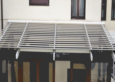 Aluminium pergola without structure